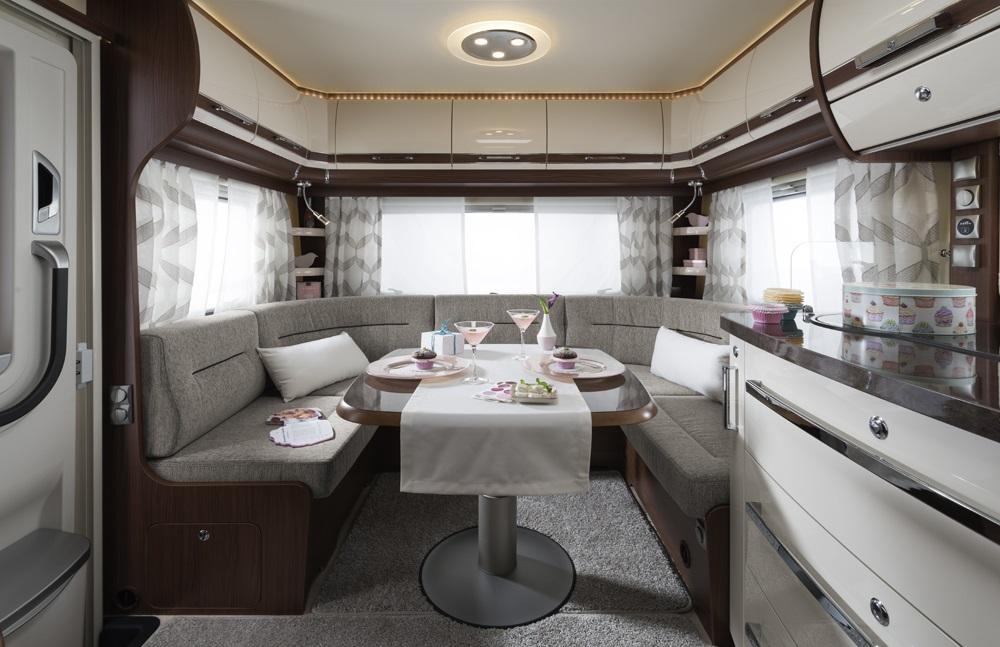 fendt opal 2018 de moderne topklasse van fendt. Black Bedroom Furniture Sets. Home Design Ideas