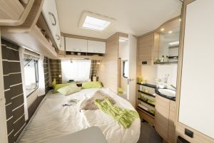 Dethleffs Camper Avantgarde 450 FR bed